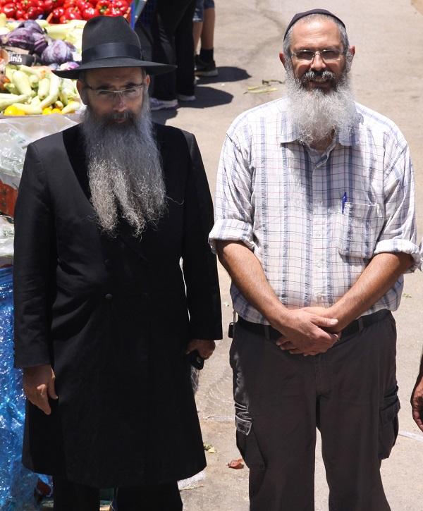HaRavDiskin-and-Yitzchak-600x725